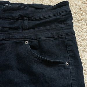 Mossimo Supply Co. Shorts - Black high-waisted shorts (1X/18/34)